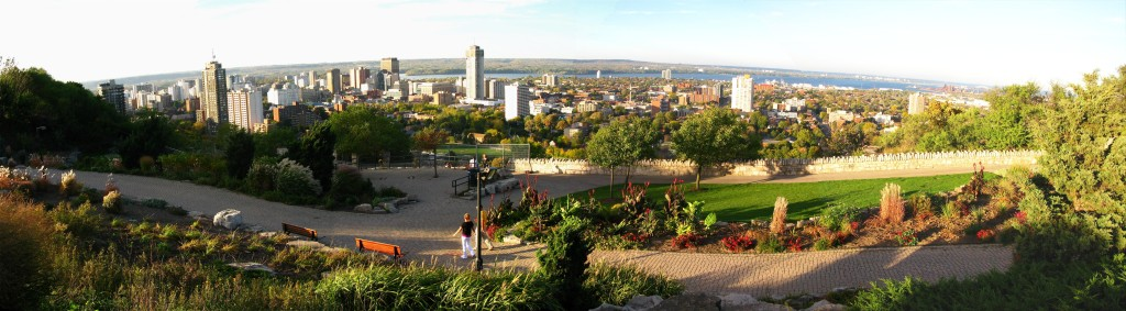 Panoramic_view_of_Hamilton_Ontario